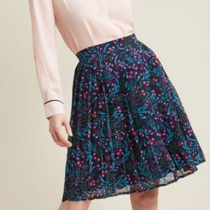 Modcloth Pleated Navy Floral Chiffon Skirt, M